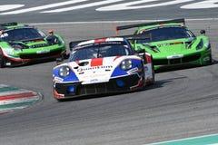 Italien - 29 mars, 2019: Porsche 911 GT3 R av laget för Herberth MotorsportTyskland royaltyfri bild