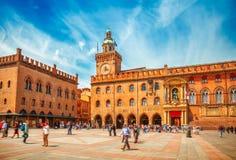 Italien piazza Maggiore i gammal stad för Bologna Arkivfoto