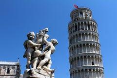 Italien Pisa, lutande torn Royaltyfri Fotografi