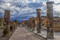 Italien Pompeii, kolonner 02,01,2018Ancient fördärvar efter erupen Royaltyfri Foto