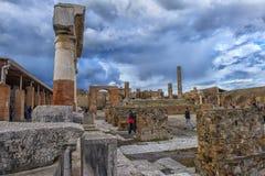 Italien Pompeii, kolonner 02,01,2018Ancient fördärvar efter erupen Arkivfoton