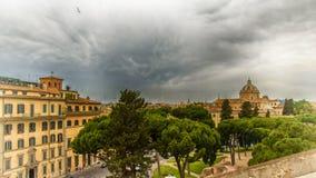 Italien Rome, sikt på piazza Venezia från den Aracoeli kyrkan arkivfoton