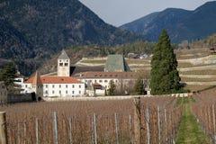 Italien sikt av abbotskloster av den Neustift abbotskloster Arkivfoton