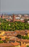 Italien: sikt av den gamla staden av Pisa från det lutande tornet Arkivfoton