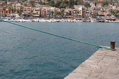 Italien Sizilien Acitrezza Die Hafen Lachea-Insel Stockbild