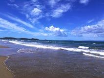 Italien, Toskana, Maremma, Punta-Ala, Fotos vom Strand von Civinini; Im Hintergrund der Hafen von Punta-Ala und die Insel von t stockbilder