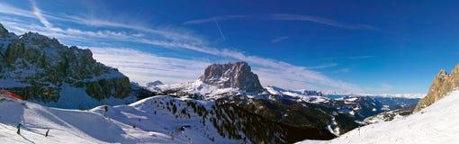 Italien, Trentino, Dolomit, panormaic Ansicht der Berge lizenzfreie stockbilder