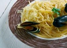 Italienare för spagetti med musslor Royaltyfria Bilder