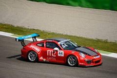 Italienare Porsche Carrera 911 kopp på Monza Royaltyfri Foto