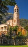 Italienarekyrka, Chiesa di San Lorenzo, Tremezzo, sjö Como fotografering för bildbyråer