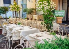 ItalienareRistorante pizzeria inre Lucca Toscana Italien Arkivfoto