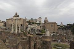 Italienerruinen im Forum Romanum in Rom Stockbilder