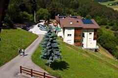 Italienische Alpen, die Haus räumen Lizenzfreies Stockfoto