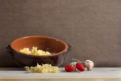 Italienische Bestandteile für das gesunde Kochen lizenzfreie stockbilder
