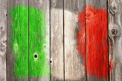 italienische Farben auf hölzerner Wunde Stockbild