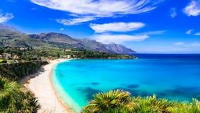Italienische Feiertage Beste Strände von Sizilien-Insel - Scopello lizenzfreie stockfotos
