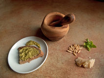 Italienische Küche - Pesto genovese Stockfotos