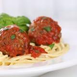 Italienische Küchespaghettis mit Fleischklöschennudelteigwaren Lizenzfreie Stockfotos