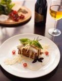 Italienische Lasagne auf dem Tisch Stockfotografie