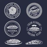 Italienische Lebensmittellogos des Vektorhippies Moderne Teigwaren- und Pizzazeichen usw. Hand gezeichnete Mittelmeerkücheillustr Stockfotografie