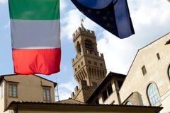Italienische Markierungsfahnen und Schloss in Florenz Lizenzfreies Stockfoto
