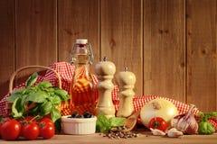 Italienische Nahrungsmittelbestandteile stockfotografie
