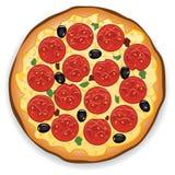 Italienische Pizza mit Pepperonischeiben Stockbilder
