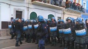 Italienische Polizei geht in Linie während des G7 in Taormina Sizilien Stockbilder