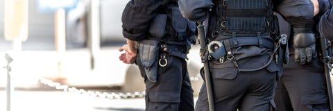 Italienische Polizisten im Freien Lizenzfreies Stockfoto