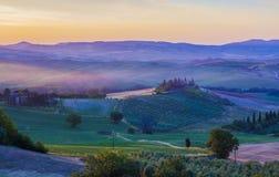 Italienische Region Toskana, Morgenlandschaft lizenzfreie stockfotografie
