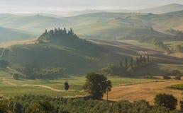 Italienische Region Toskana, Morgenlandschaft stockbilder
