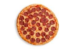 Italienische Salami-Pizza Stockfotos