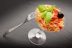 Italienische Spaghettis im Glas Stockfoto