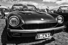 Italienische Sport-Spinne Sportauto Fiats 124 Stockfotografie