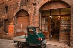 Italienische Straße - Retro- städtische Szene Stockfotografie