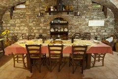 Italienische Tabelle stellte für Mahlzeit ein stockfotografie