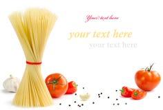 Italienische Teigwaren mit Tomaten Stockbilder