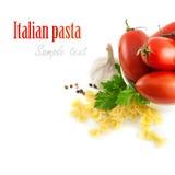 Italienische Teigwaren mit Tomaten und Knoblauch Stockbild
