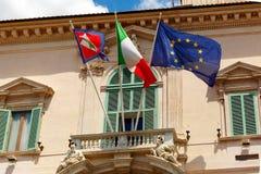 Italienische und europäische Flaggen, Rom, Italien Stockfotos