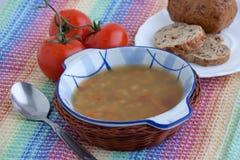 Italienische vegetarische Linsensuppe Stockbild