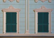 Italienische verzierte Fenster Lizenzfreie Stockfotos