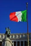 Italienischer König und Flagge Lizenzfreie Stockfotografie