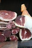 Italienischer Mittagessenfleischprosciutto, -culatello und -salami stockbild