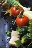 Italienischer Nahrungsmittelhintergrund Lizenzfreie Stockfotos