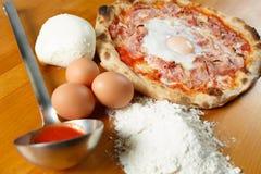 Italienischer Pizza Special lizenzfreies stockfoto