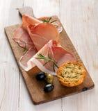 Italienischer Prosciutto oder Parmaschinken Stockfoto