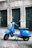 Italienischer Weinleseroller Stockfotografie