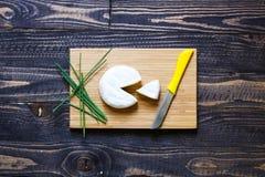 Italienisches bruschetta gemacht mit gerösteten Scheiben brot mit Kirsche Stockfotos