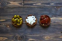 Italienisches bruschetta gemacht mit gerösteten Scheiben brot mit Kirsche Lizenzfreies Stockbild
