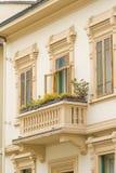 Italienisches Gebäudedetail stockbild